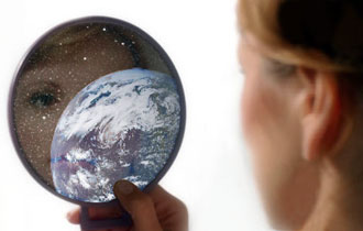 The-world-is-a-mirror-of-our-consciousness1